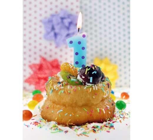 """Spalvinga torto žvakutė """"1"""""""