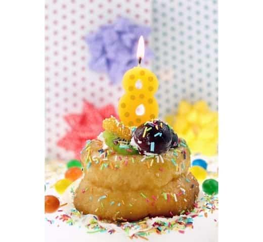 """Spalvinga torto žvakutė """"8"""""""
