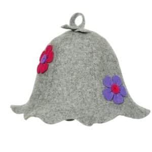 Pirties kepurė su gėlėmis