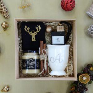 """Kalėdinis rinkinys """"Kojinės puodelis ir medus"""""""