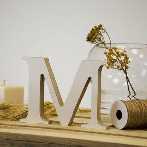 """Medinė raidė """"M"""""""